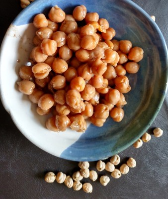 Chick pea salad, vegan salads, garbanzo beans, chana