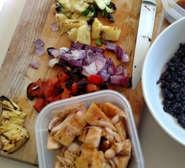 black rice, sweet & sour sauce, red onions, zucchini, one bowl